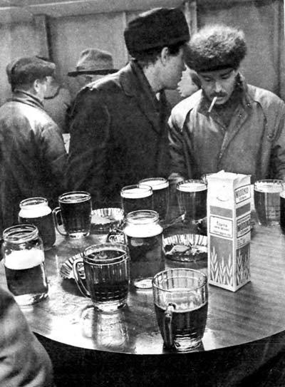 пиво столик.jpg