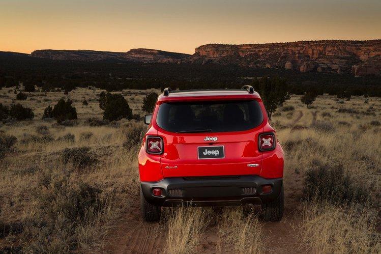 2015-jeep-renegade-36-5e39ca2e32,910,500,0,0.jpg
